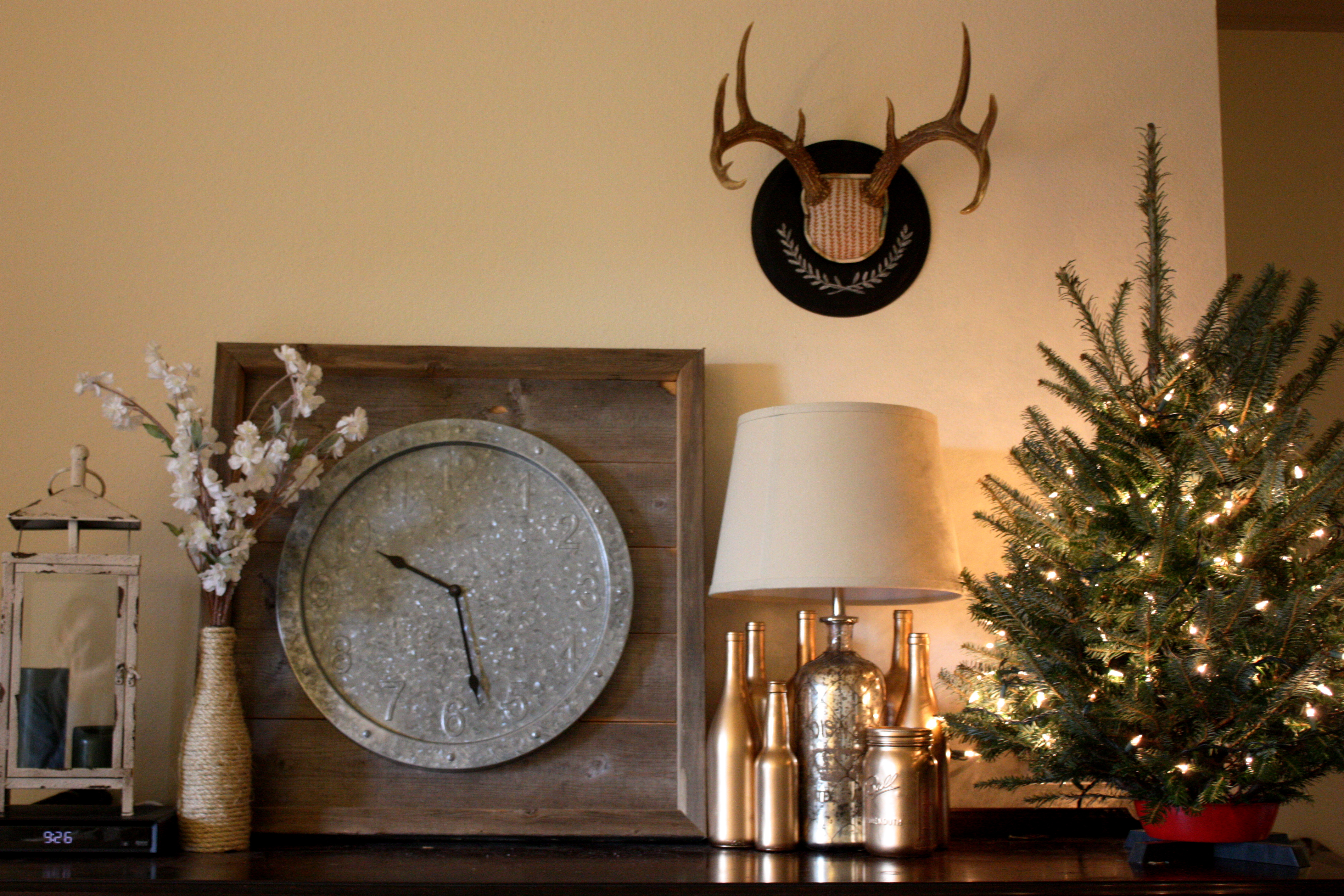 Deer antler mount makeover how to life in high cotton for Antler decorations for home